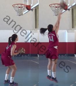 Foto de baloncesto de una niña realizando un tiro de fuerza, saltando hacia el tablero