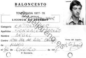 Foto de baloncesto que recoge la ficha de entrenador de Ángel González Jareño.