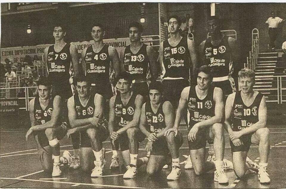 Foto de baloncesto que recoge el equipo guadalajareño que ascendió a la liga ACB
