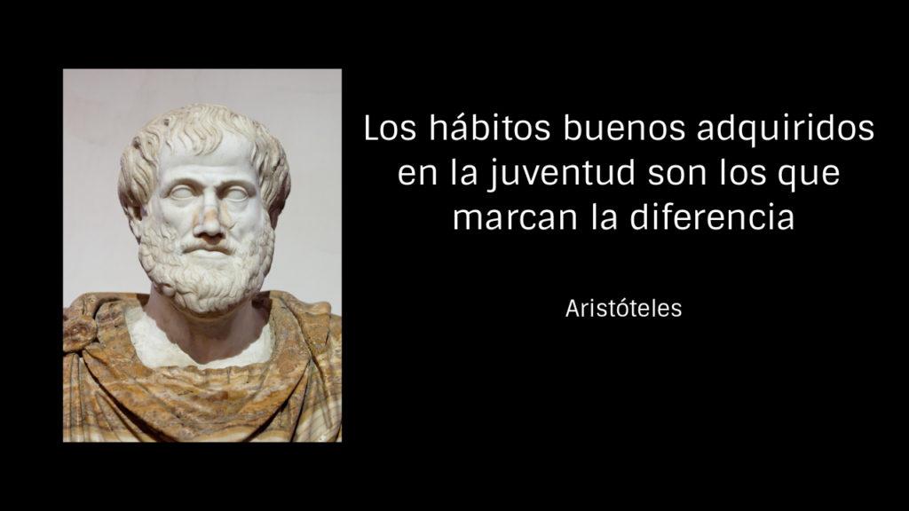 Gráfico que recoge una imagen de Aristóteles en relación con la verdadera formación donde afirma que los hábitos buenos adquiridos en la juventud son los que marcan la diferencia
