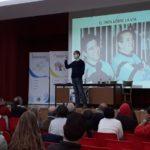 Foto de baloncesto que recoge la charla de Angel González Jareño en el Colegio Divina Pastora de León